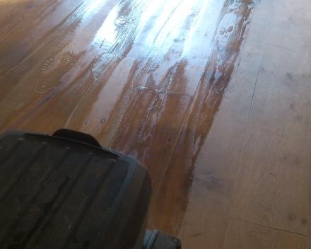 Parketvloer renoveren zonder te schuren